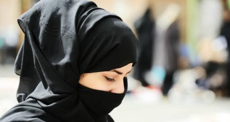 4 Ciri Wanita Sholehah Perspektif al-Qur'an